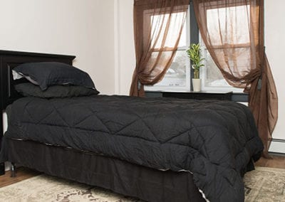 Riverbank house bed